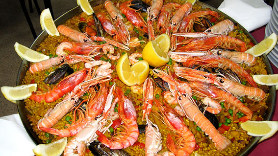 Paella is one of tipical Soanish dishes served also in Gran Canaria