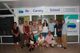 The group of students of Conversational Spanish Course in March 2017 in front of the Be Canary School in Maspalomas.